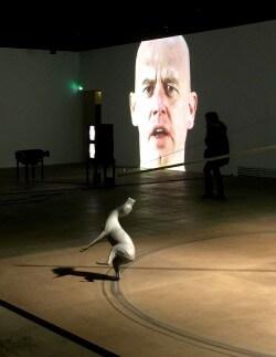 Bruce Nauman : artiste majeur et inclassable